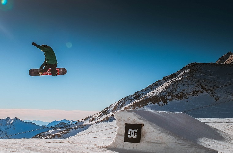 Freestyle Snowboard Lessons in Tignes image of
