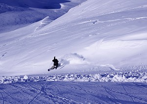 freeride snowboarder in tignes image of