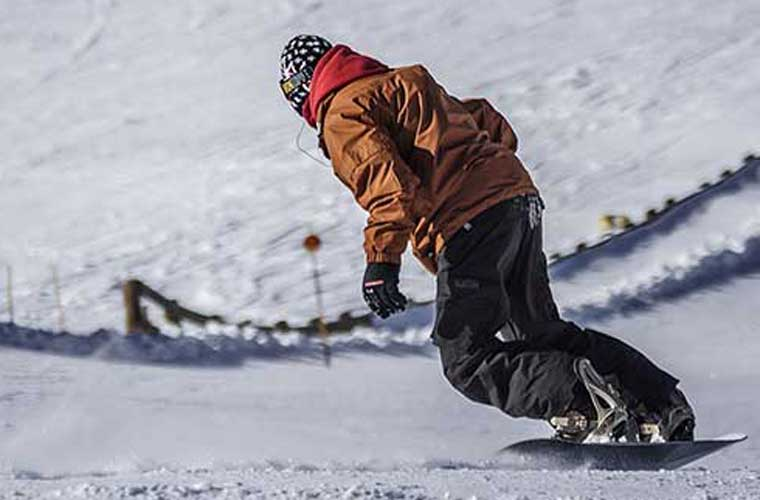 private snowboard lesson in tignes image of
